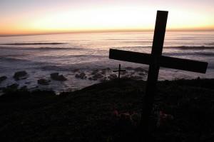 Cross at Surfers memorial site, at Bodhisattva Beach, near Pillar's Point / Mavericks, Pacific Coast, California, USA  By WonderLane https://www.flickr.com/photos/wonderlane/3209392344/in/photolist-4Xjj5y-26ujyY-3GTD3-4V2gr9-5TAYwL-4j2kWN-3j98yZ-5d8aDn-7Q4568-5sgWFK-b84pMF-4D6fYP-6SYDKf-4zCA5S-EXmry-5n8GX7-5m5G44-5ixGkT-EYHSM-zwnm4-EYCi3-4CmF7Z-9SH7mH-5jkkxs-75uQnk-6usmpW-vBBW3-7WU1Hu-2FVCMt-6dZAwb-iJAtq-4J8UfC-vBBVY-5vQYCS-a6WEqv-9tcnUa-8bW2Nn-bDLASP-5oYB6n-6ueCwL-4B87Q8-4Sv1TT-6zk7Vw-3EbXKS-6TL8Pb-5prK3S-m4zfN-8fdqGD-xiDcq-D4koR/